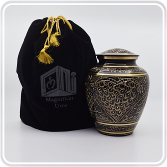 1-Heart-Black-and-Gold-Ornate-Series-1d.png
